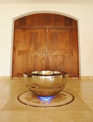 Chalice stainless steel interior water feature