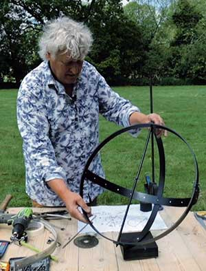 How to make your very own equatorial sundial – for Virtual Chelsea 2020