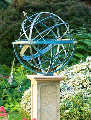 Etonnant Bronze Armillary Spheres