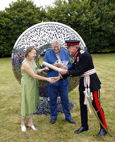 David and Sophie Harber with Tim Stevenson, Lord-Lieutenant of Oxfordshire and the Queen