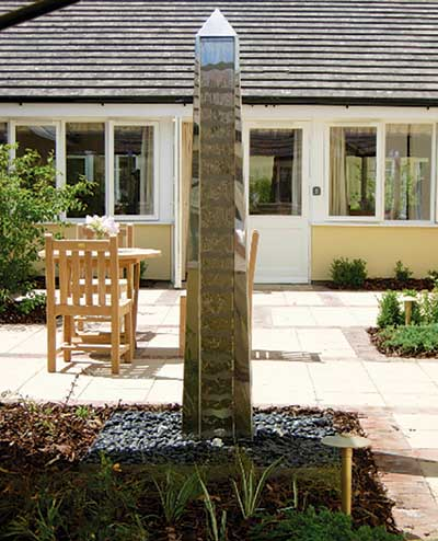 Water obelisk garden sculpture
